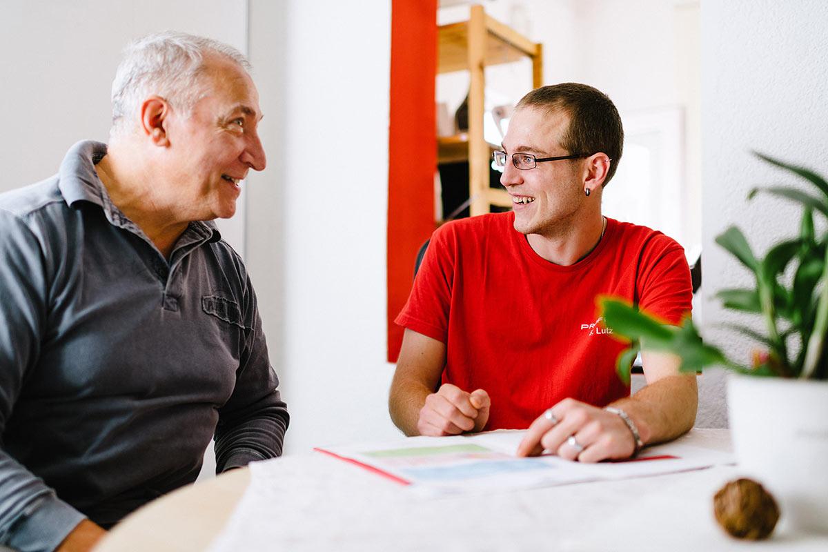 Beratung von Kunden im Büro