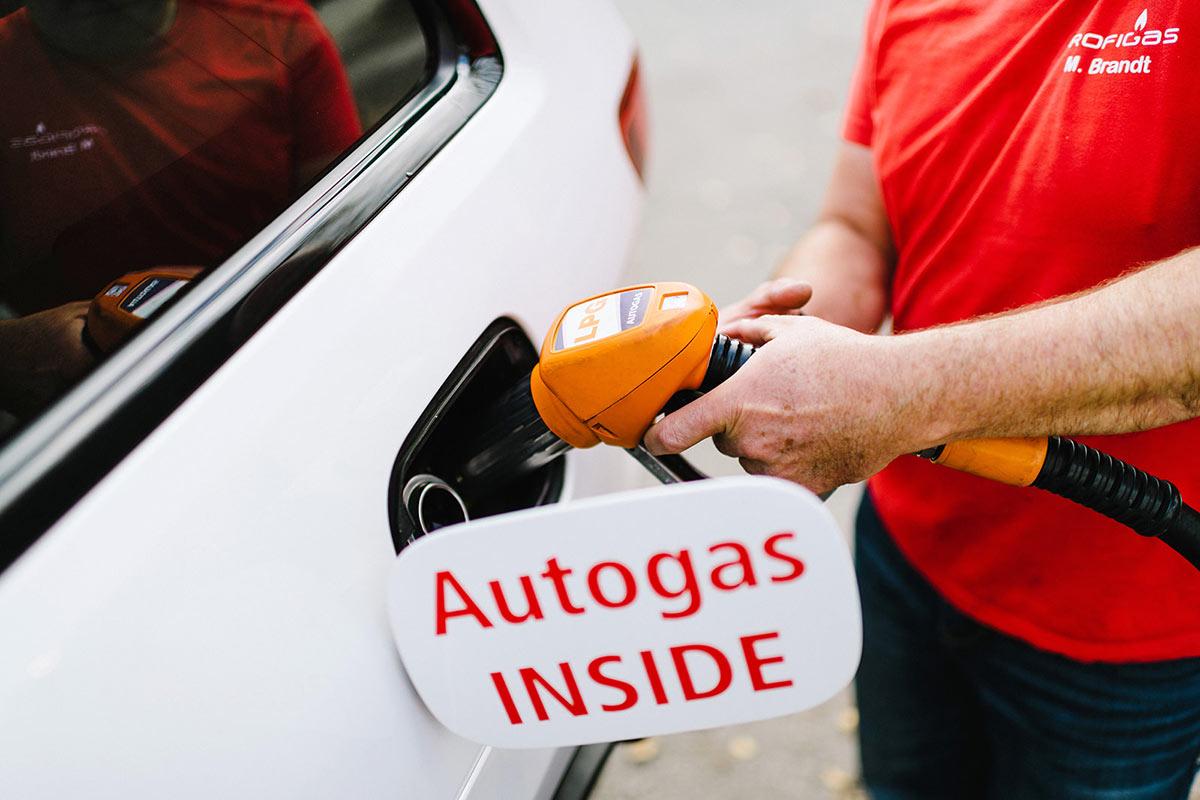 Auto mit Flüssiggas betanken