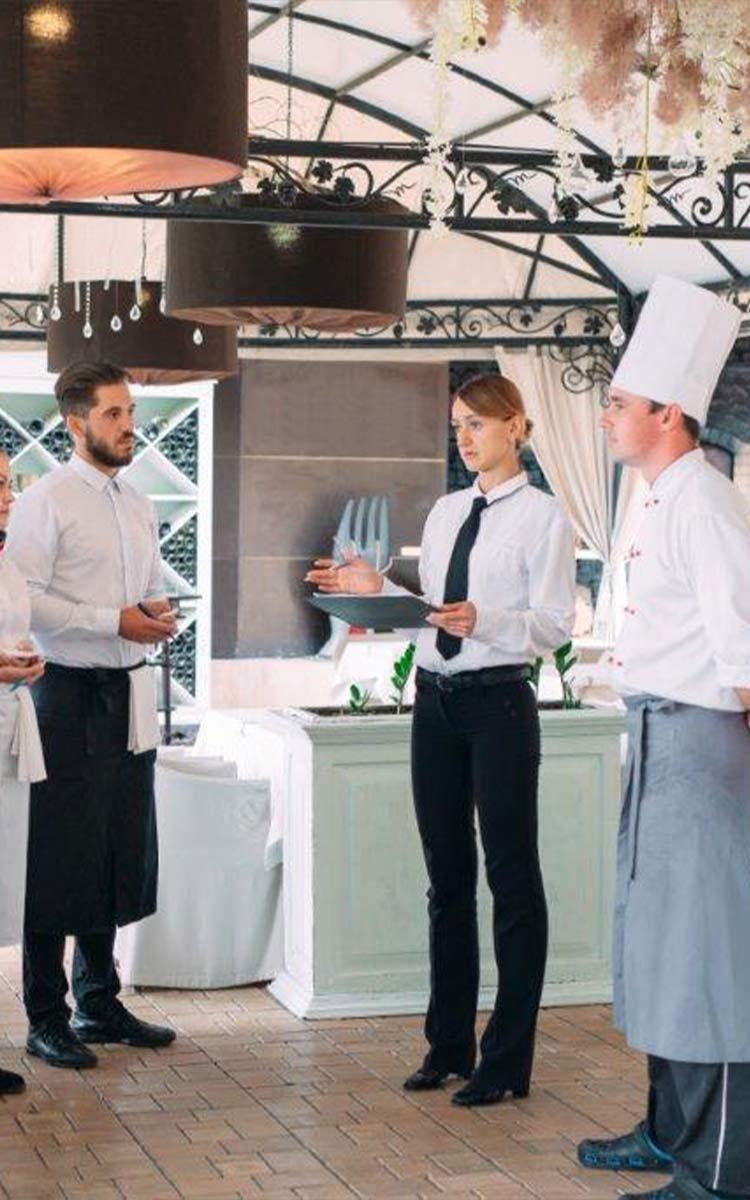 Teambesprechung von Gastronomen